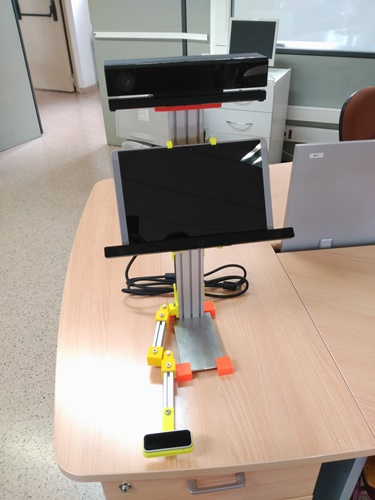 System for a customized and natural rehabilitation and interaction of disabled people